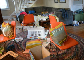 Studies Show That There's A Link Between A Cluttered Home And Depression